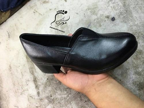 تولید کفش اداری زنانه چرم در مرکز مهرگام