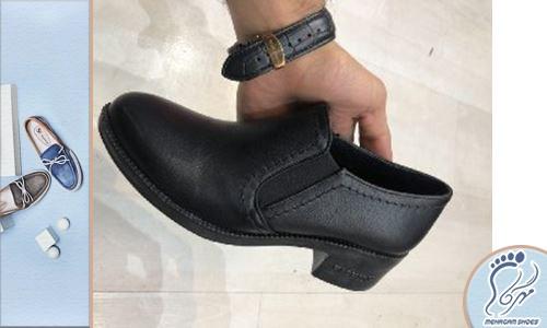 تولید کفش زنانه ورنی نوک تیز